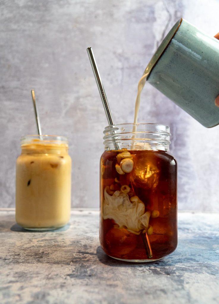 Ice-coffee-with-vegan-cream