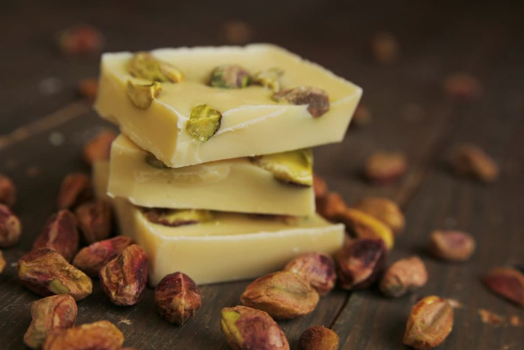 White-chocolate-and-pistachios