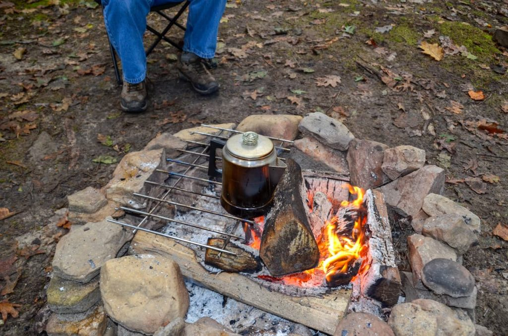 Percolating-coffee-over-an-open-fire